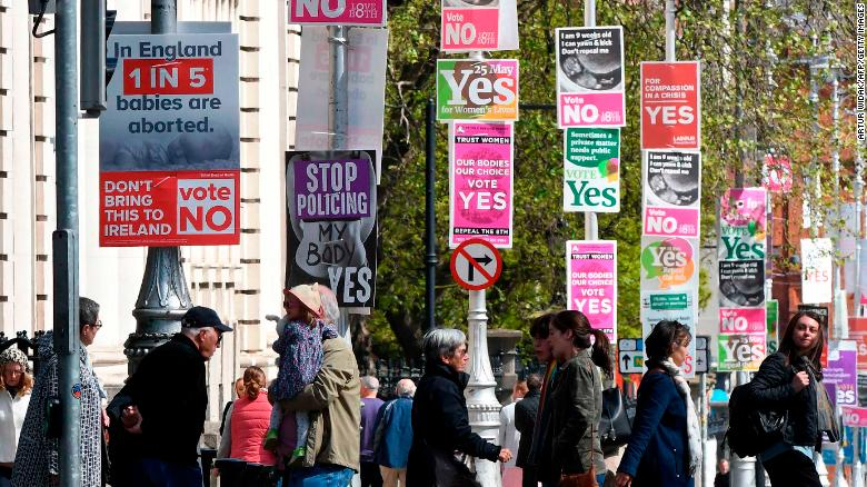 Irish strongly in favor of ending abortion ban, exit poll shows