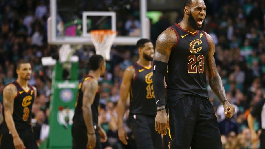 LeBron James scores 35 as Cavs advance to NBA Finals