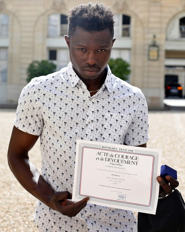 Spider-Man of Paris to get French citizenship after child rescue