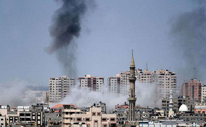 Israeli jets bomb Gaza after more than 25 mortar shells fired from strip