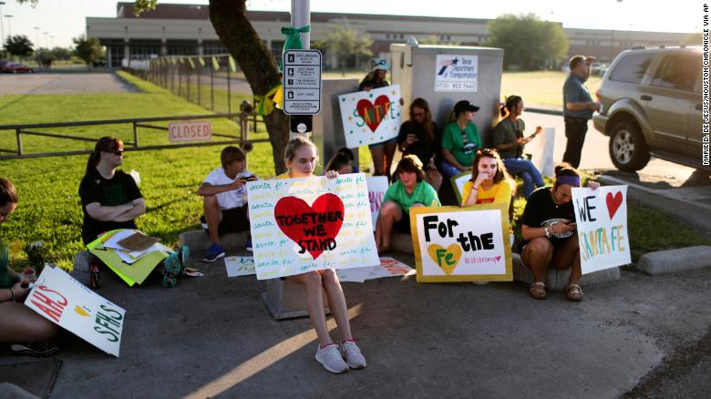 Santa Fe High School students to return to campus after shooting
