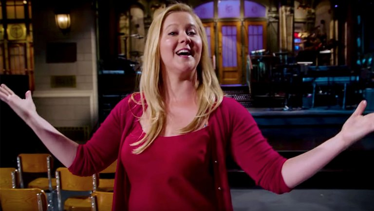Amy Schumer Struggles With SNL Facts in Behind-the-Scenes Tour