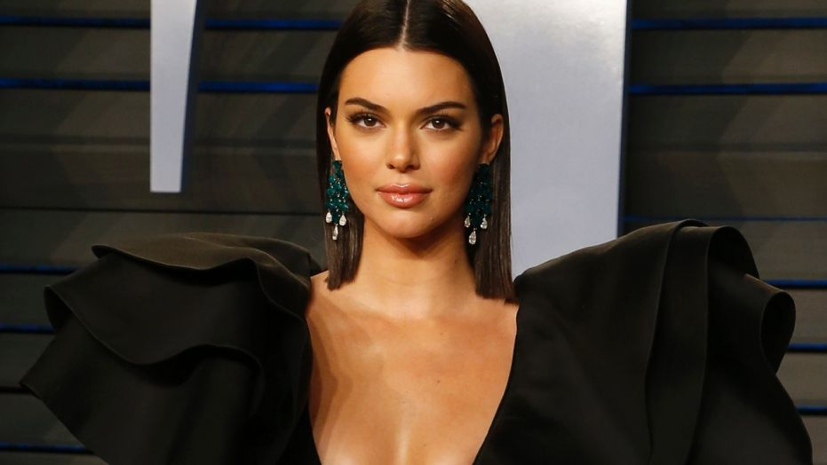 Kendall Jenner makes Trump joke during Celebrity Family Feud