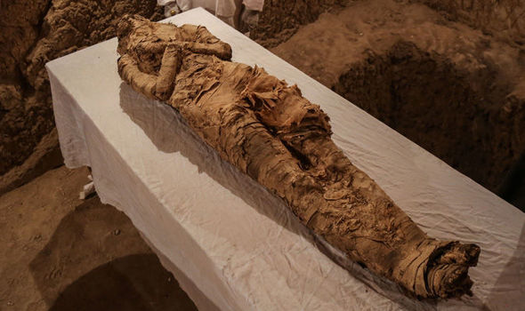 Sleeping beauty discovered 2,000 years after death wearing skirt and clutching make up box