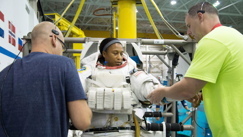 Black Astronaut Jeanette Epps Still Doesnt Know Why NASA Cancelled Her Historic Mission This Year