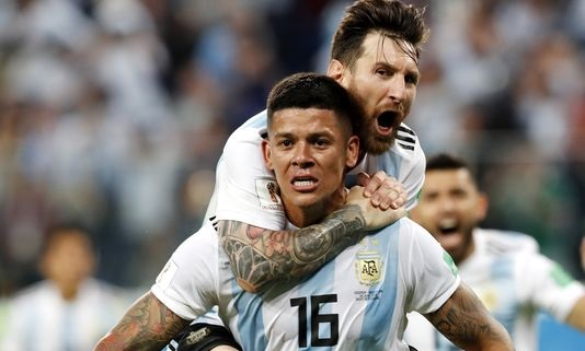 Argentina avoids humiliation with late winner against Nigeria