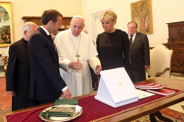 Emmanuel Macron holds long meeting with Pope Francis