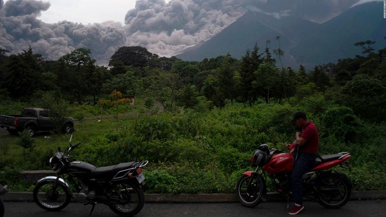 At least 7 dead, international airport closed, 1.7 million could be affected by Guatemala volcano