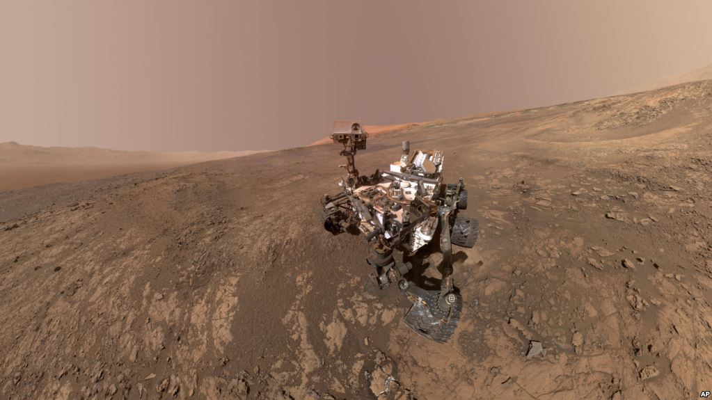 No, NASA did not find proof of life on Mars then accidentally destroy it