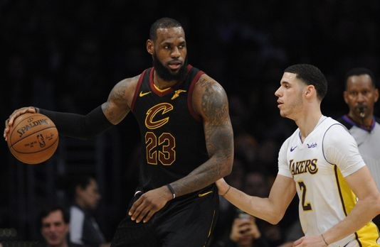 LeBron James agrees to 4-year, $154 million deal with Los Angeles Lakers