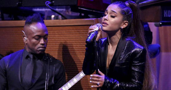 Ariana Grande And The Roots Deliver Soaring Tribute To Aretha Franklin