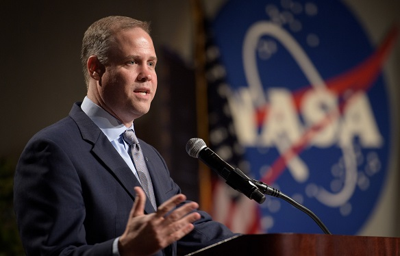 NASA Chief Wants to Send Humans to the Moon — To Stay