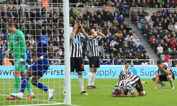 Newcastle's DeAndre Yedlin hands points to Chelsea after own goal