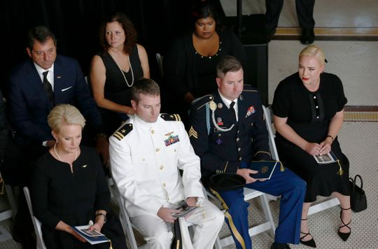 Meghan McCain weeps over fathers casket at John McCain memorial