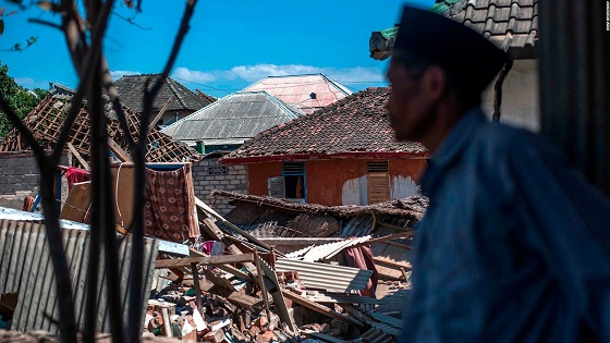 Indonesian earthquake: Death toll rises to 347 after powerful jolt to resort island