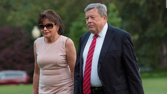 Melania Trumps parents are now US citizens