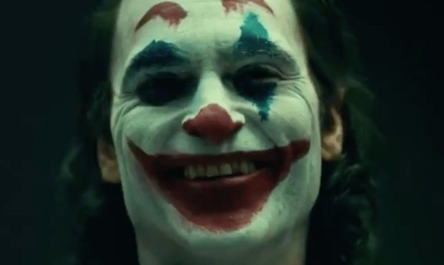 Joker Director Reveals First Look at Joaquin Phoenix in Makeup