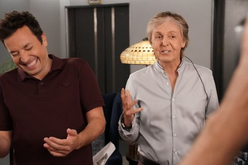 Jimmy Fallon and Paul McCartney shock unsuspecting 30 Rock visitors with elevator prank