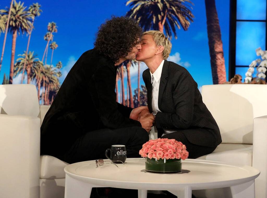 Ellen DeGeneres Kisses Howard Stern To Make Everyone Forget About That George W. Bush Photo