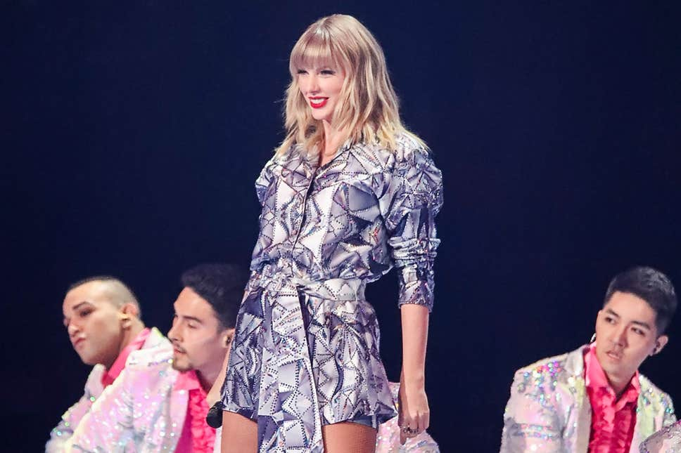 Alibaba Singles Day: $1bn spent in first 68 seconds after Taylor Swift kicks off shopping extravaganza with Shanghai concert