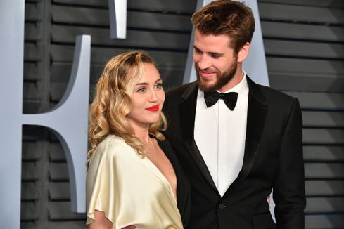 Miley Cyrus shuts down pregnancy rumors in egg-celent way: Can everyone leave me alone