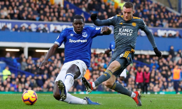 Jamie Vardy punishes dismal Everton as Leicester start new year in winning style