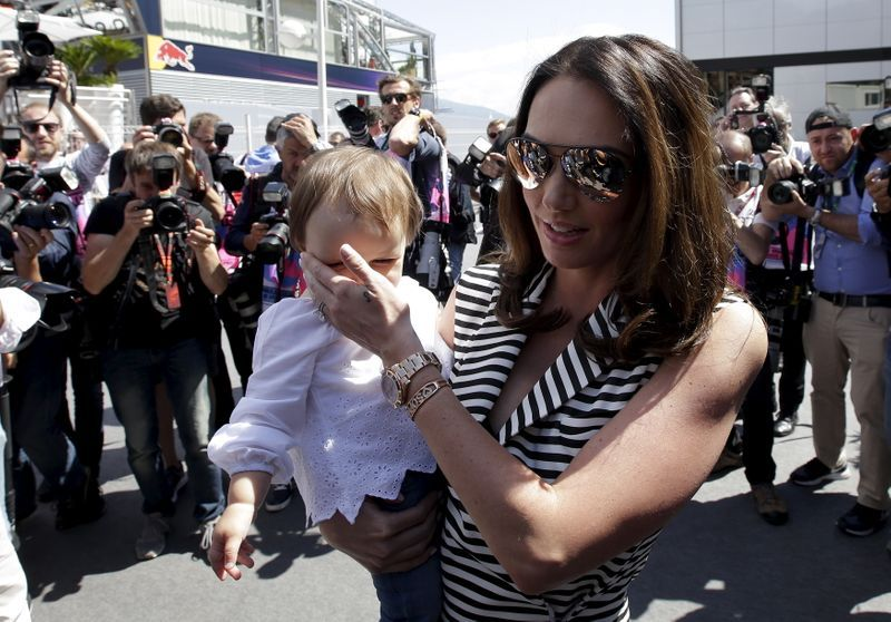 Burglars nab jewellery worth $64 million from British model Tamara Ecclestone