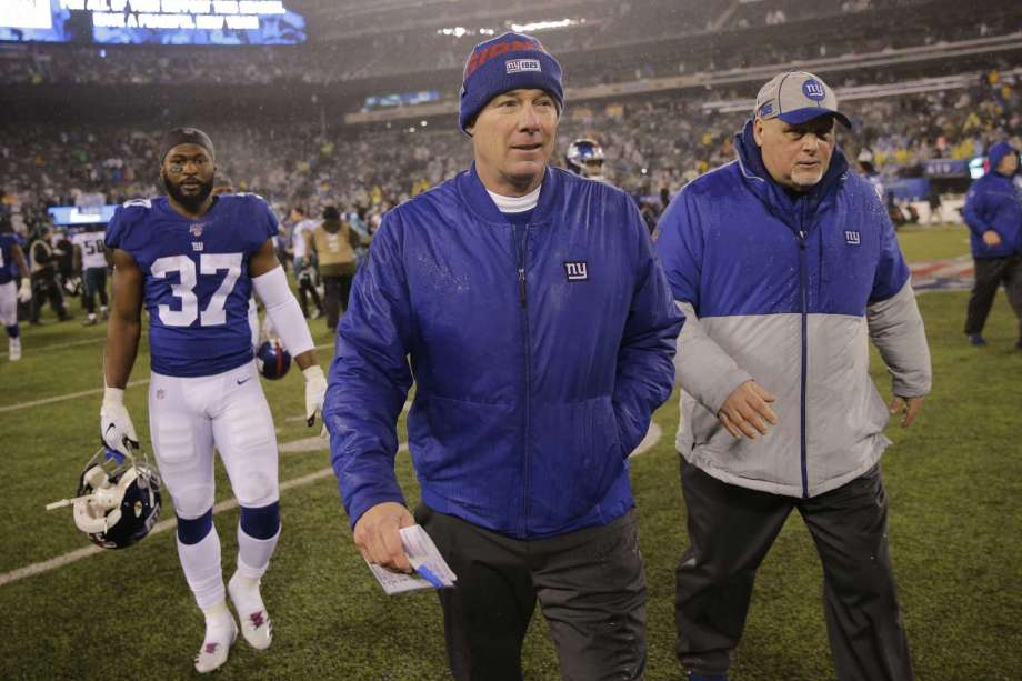 Giants fire coach Shurmur, keep GM Gettleman