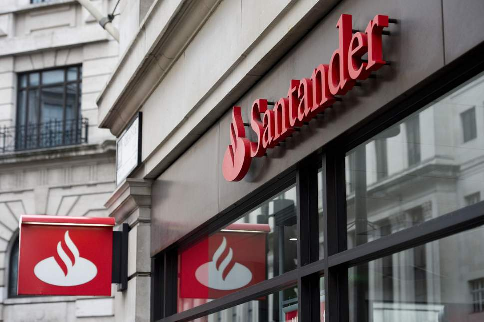 Santander to close 140 branches across UK, putting 1,270 jobs at risk