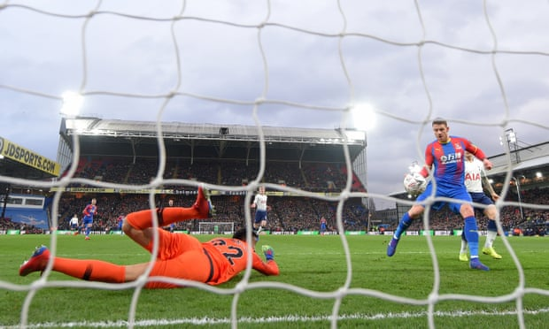 Connor Wickham ends long wait as Crystal Palace knock out Tottenham
