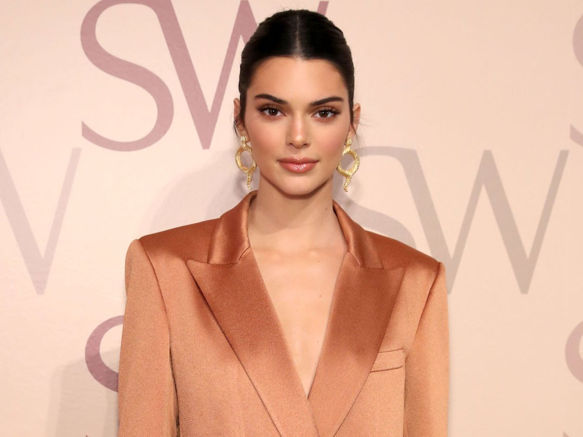 Kendall Jenner wears blazer with no pants at New York Fashion Week