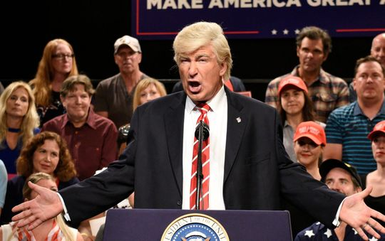 SNL: Alec Baldwin returns to mock Trumps national emergency press conference