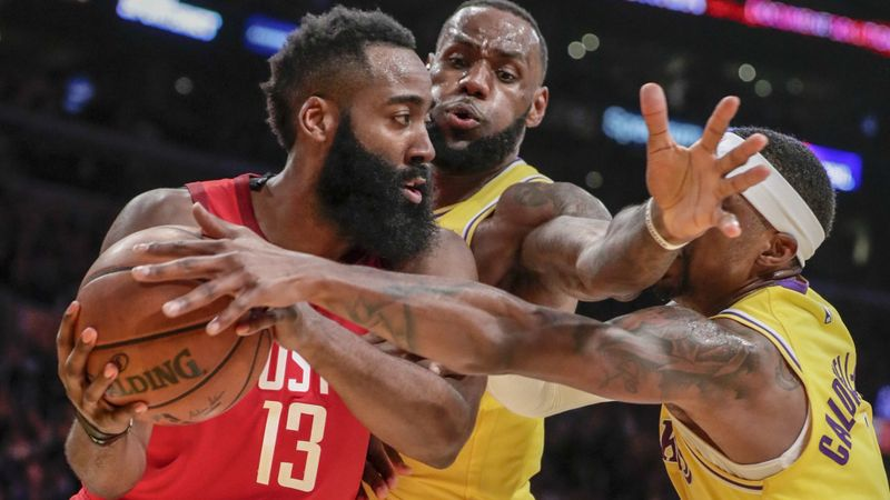 Lakers climb back from double-digit deficit to beat Rockets 111-106