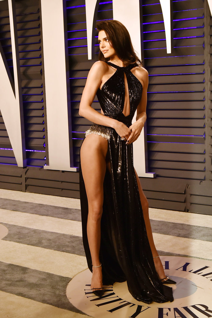 Kendall Jenner Is One Mistake Away From Flashing Everybody At Oscars After-Party