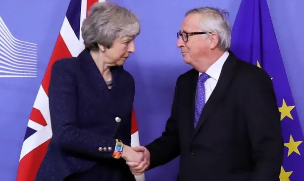 Little sign of Brexit progress as May and Juncker clash