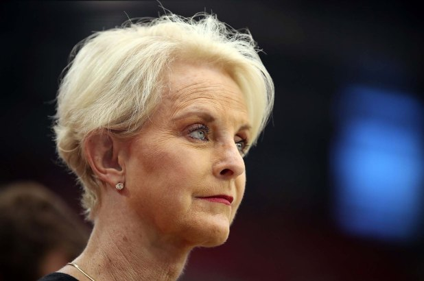 Cindy McCain apologizes for disputed sex trafficking claim
