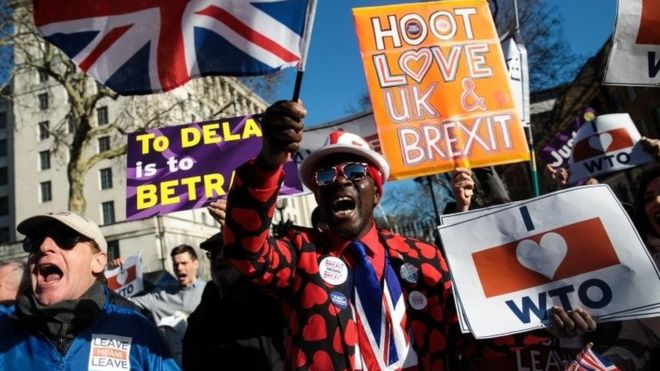 Brexiteer MPs say delay would be political calamity