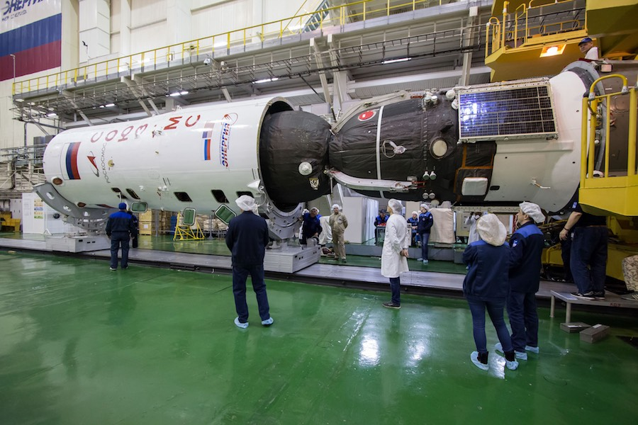 Crew of Soyuz launch abort set for second try