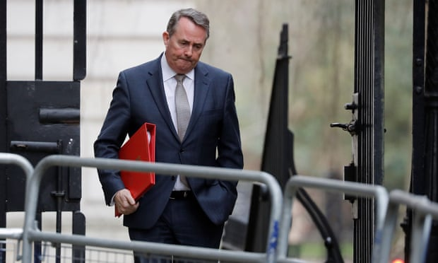 Government could ignore indicative Brexit votes, says Liam Fox