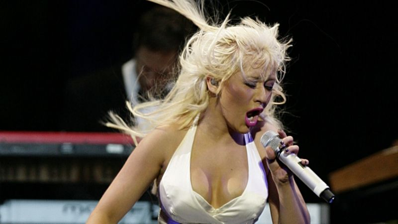 Christina Aguilera to tour UK for first time in 13 years