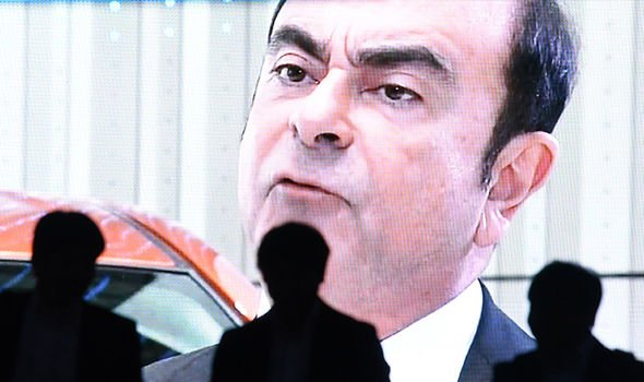 Carlos Ghosn: Former Nissan boss granted bail at 1 billion yen