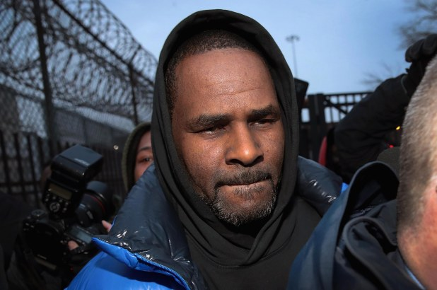 R. Kelly accused of raping 13-year-old, giving her herpes: report