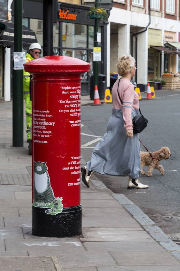 David Walliams honoured with special postbox on World Book Day