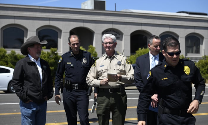 San Diego police identify synagogue shooting suspect – video