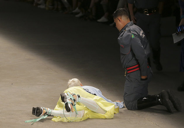 Model Tales Soares Dies After Collapsing On Catwalk At Sao Paulo Fashion Week