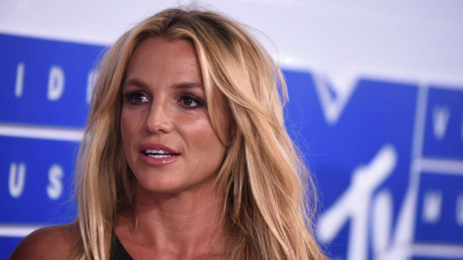 Britney Spears reportedly checks herself into mental health facility