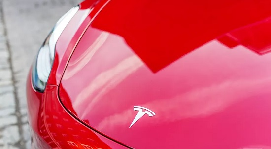Tesla is selling fewer cars, but says it has 'sufficient' cash