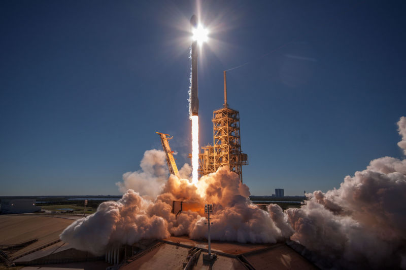 Falcon Heavy SpaceX Launch Will Mark First Commercial Mission