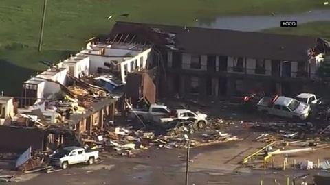 Large and dangerous tornado strikes near Dayton, Ohio