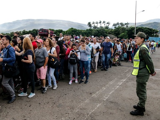 Maduro Reopens Venezuelan Border With Colombia